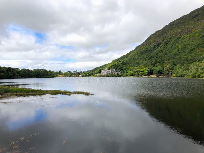 Kylemoreabdij, Connemara, Provincie Galway, Ierland royalty-vrije stock foto's