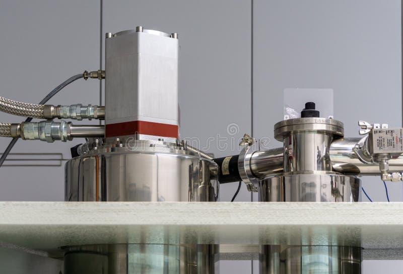 Kylenhet för ett mikrogram - kallt huvud för heliumkylning arkivbilder