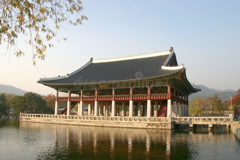 Kyongbok Palace meeting hall, Korea stock photography