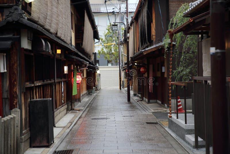 KYOTO, GIAPPONE - 4 giugno 2016: Vecchio Gion del centro giapponese a Kyoto, Giappone fotografie stock