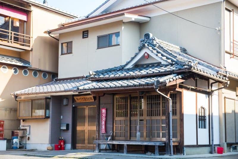 Kyoto, Japão - 17 de novembro de 2017: De madeira tradicional japonês ho imagens de stock royalty free