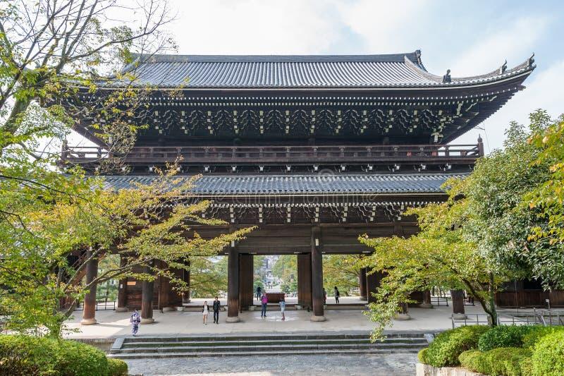 KYOTO, JAPÓN - 9 DE OCTUBRE DE 2015: Chion-en capilla, templo en Higashiyama-ku, Kyoto, Japón Jefaturas de la capilla de Jodo-shu foto de archivo libre de regalías