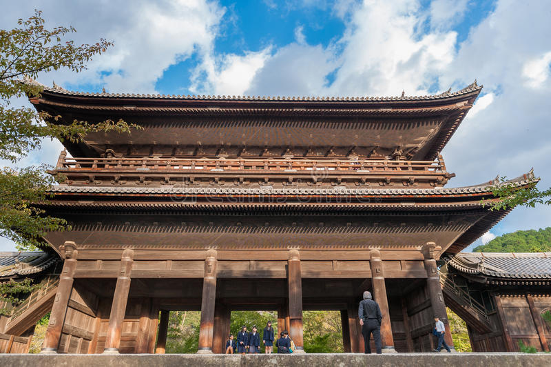 KYOTO JAPAN - OKTOBER 08, 2015: Nanzen-ji Zuiryusan Nanzen-ji, förr Zenrin-ji buddistisk japan kyoto tempelzen kejsare arkivfoto