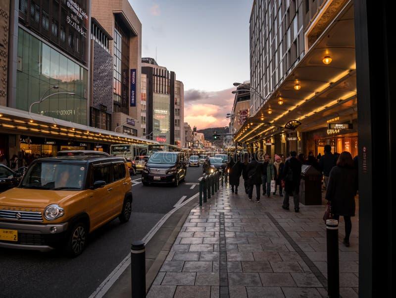 Kyoto mest upptagen gata royaltyfria foton