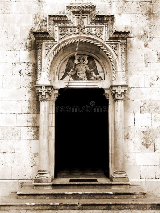Download Kyrka arkivfoto. Bild av aneurysmen, kyrka, grav, kors - 506284