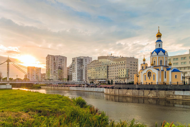 Kyrka av ärkeängeln Gabriel, Belgorod stad, Ryssland arkivbild