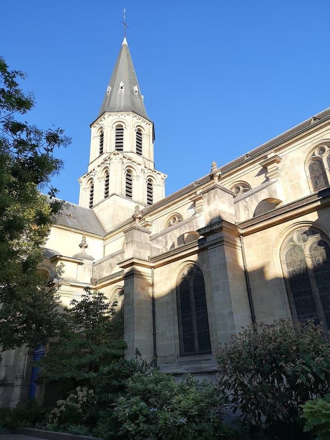 Kyrka av den Rueil Malmaison staden royaltyfri foto