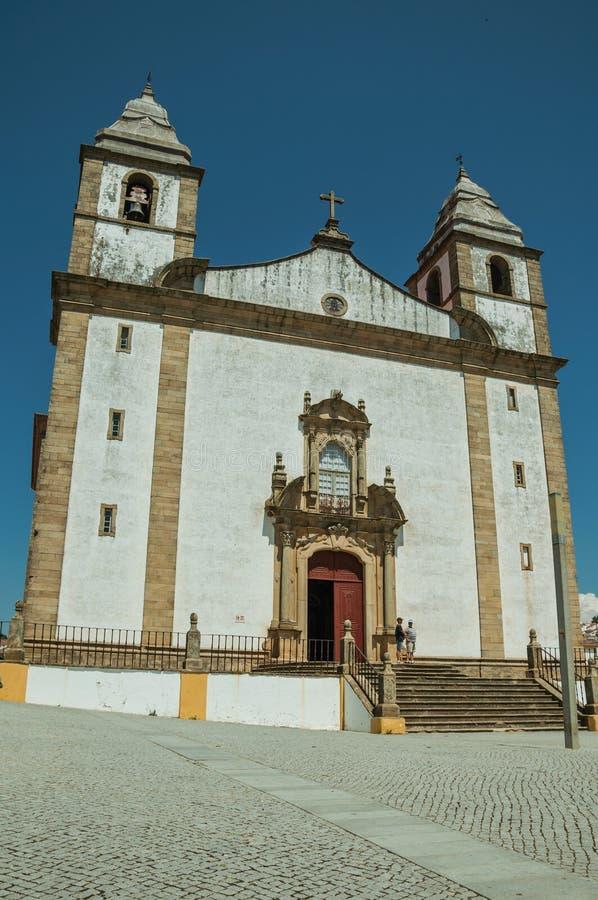 Kyrka av den Santa Maria da Devesa fasaden i barock stil royaltyfria foton