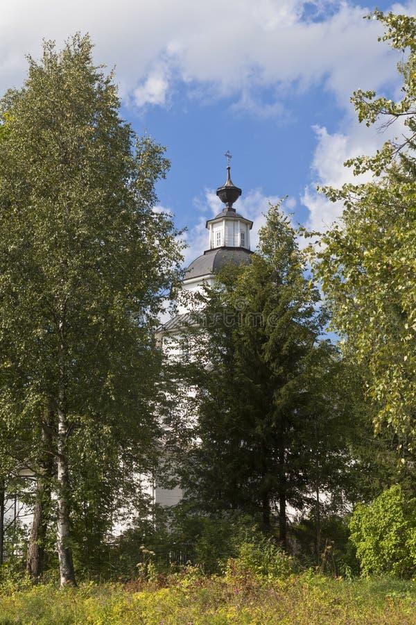 Download Kyrka Av Elijah Profeten I Byn Tsypina, Kirillovsky Område, Vologda Region, Ryssland Redaktionell Foto - Bild av kors, lantligt: 76701235