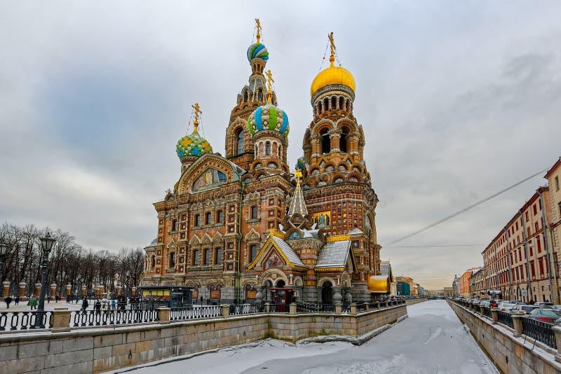 Kyrka av frälsaren på Spilled blod i St Petersburg i wen arkivbilder