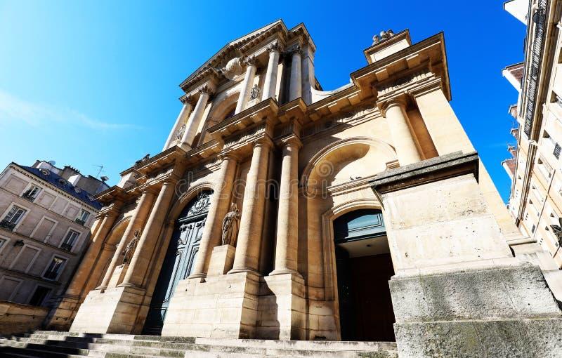 Kyrka av helgonet-Roch - en sen barockkyrka i Paris som ?r h?ngiven till helgonet Roch paris france royaltyfria bilder