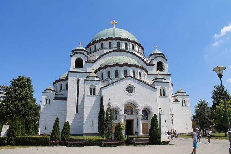 Kyrka av helgonet Sava i Belgrade Serbien fotografering för bildbyråer