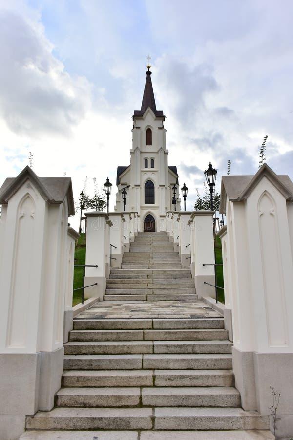 Kyrka av helgonkorset i Pelhrimov arkivbild