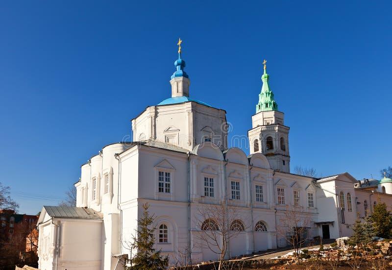 Kyrka av kloster för helig Treenighet i Kursk, Ryssland fotografering för bildbyråer