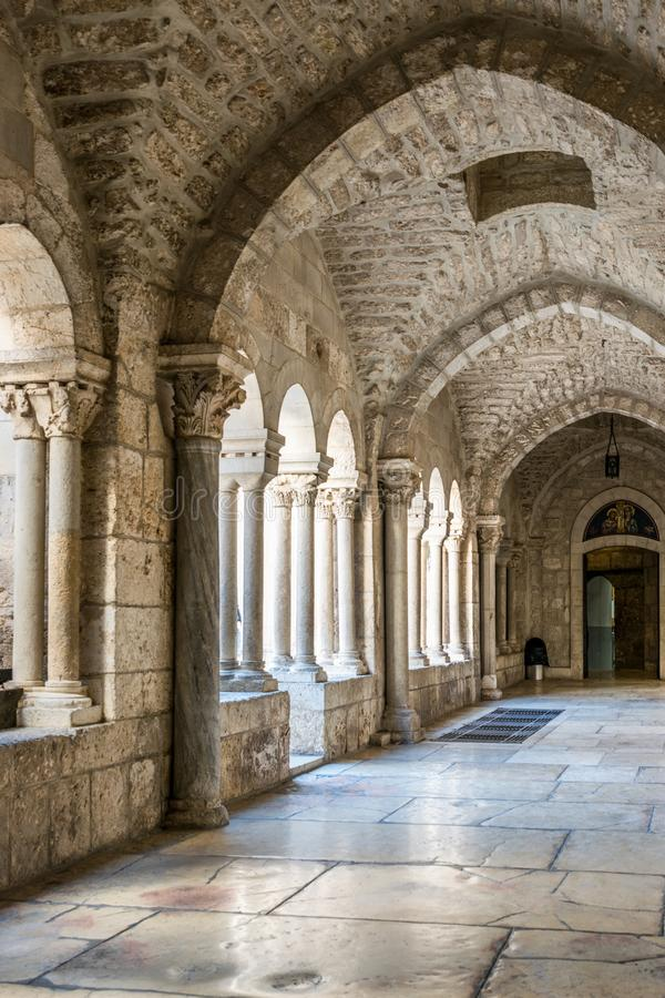 Kyrka av Kristi födelse - korridor arkivbilder