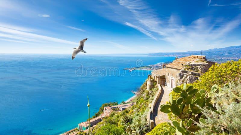Kyrka av madonnadellaen Rocca i Taormina, Sicilien, Italien royaltyfri foto