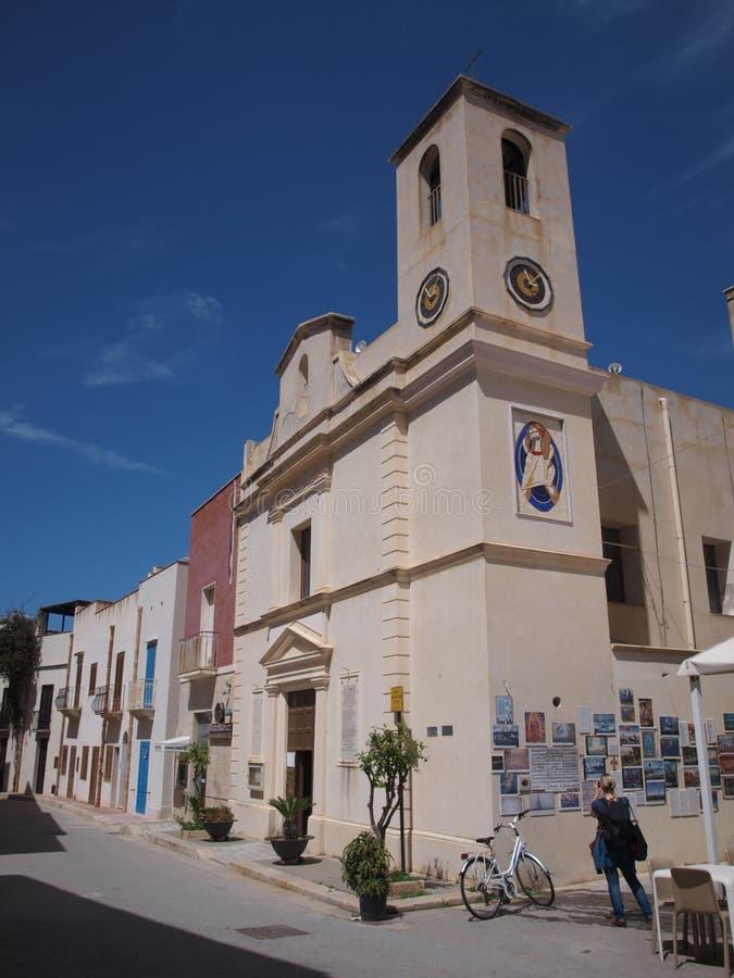 Kyrka av Mary The Gracious, Marettimo, Sicilien, Italien arkivfoto