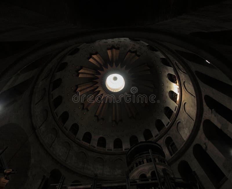 Kyrka av rotundakupolen för helig grift royaltyfria bilder