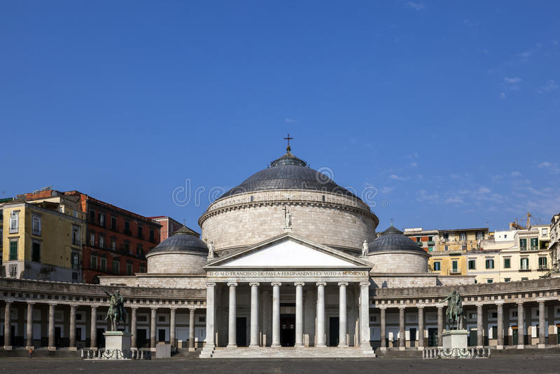 Kyrka av San Francesco di Paola i Naples, Italien arkivfoton