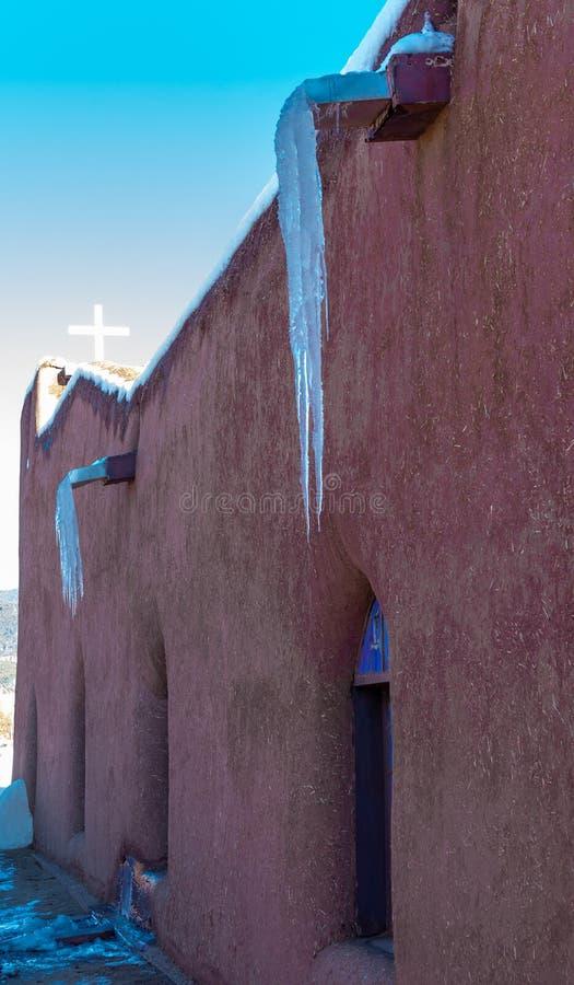 Kyrka av San Geronimo i den Taos puebloen royaltyfria foton