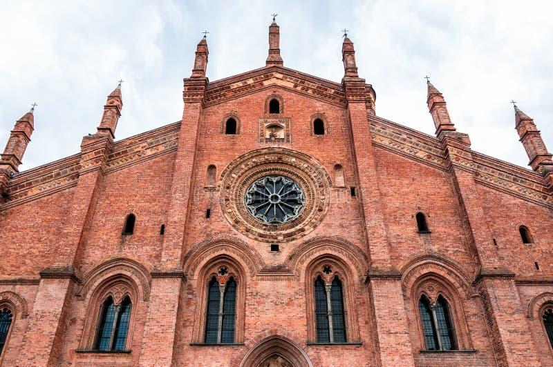 Kyrka av Santa Maria del Carmine i Pavia, Italien arkivbilder