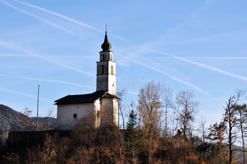 Kyrka av Santa Maria della Neve i Buss, Pergine Valsugana Trento fotografering för bildbyråer