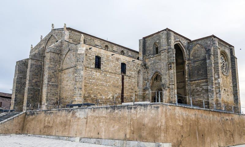 Kyrka av Santa Maria i Villalcazar de Sirga, Palencia arkivfoton