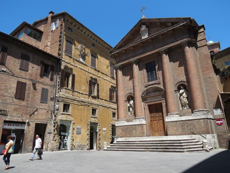 Kyrka av St Christopher i Siena royaltyfri fotografi