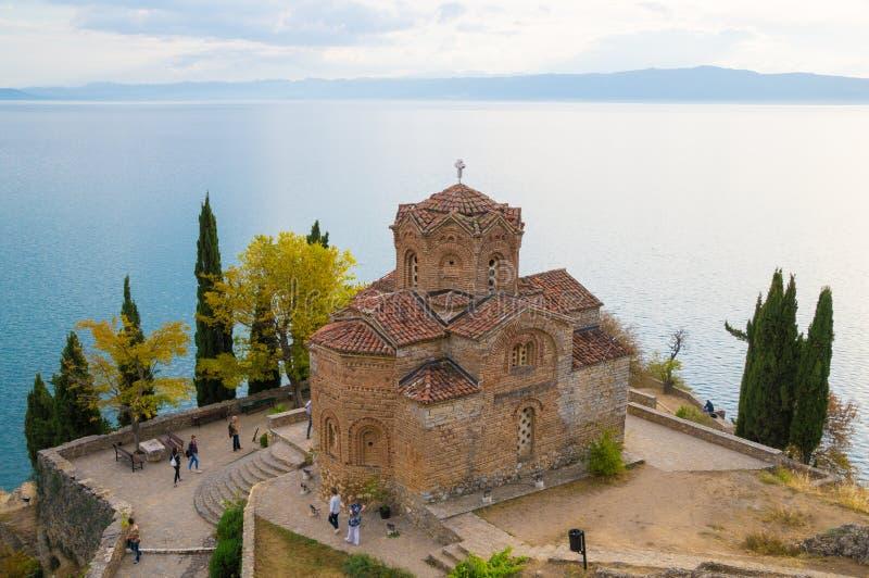 Kyrka av St John av Kaneo i Ohrid royaltyfri foto