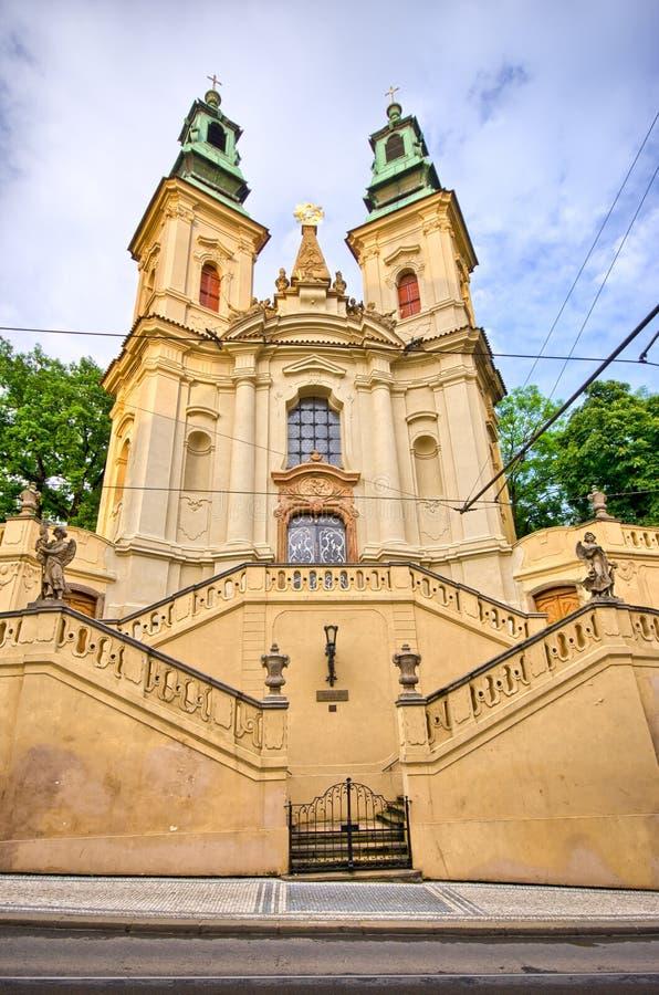 Kyrka av St John Nepomucene av vagga i Prague, tjeckiska Repubic arkivbild