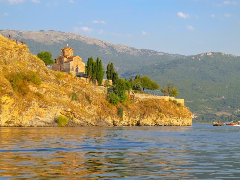 Kyrka av St John p? Kaneo Ohrid Macedonia arkivbild