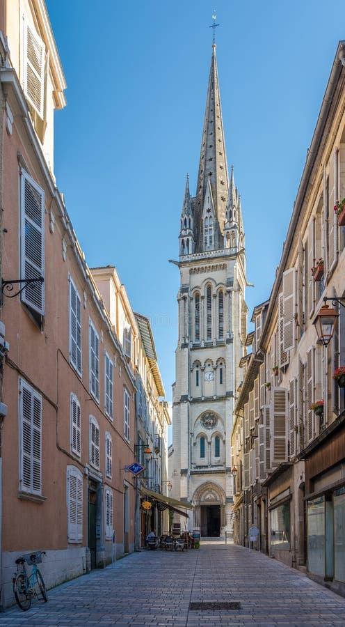 Kyrka av St Martin i Pau arkivbilder