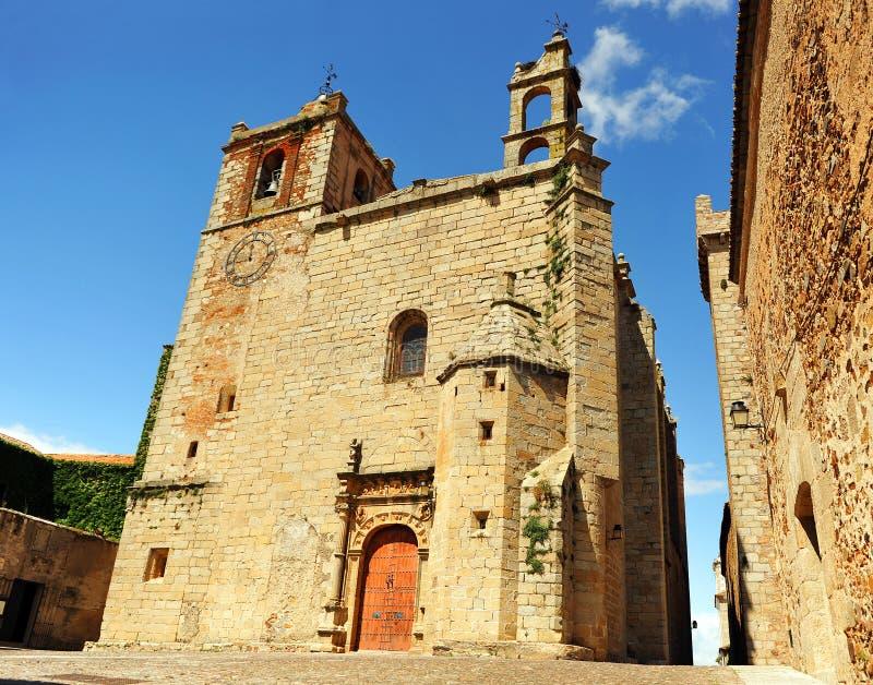 Kyrka av St Matthew, Caceres, Extremadura, Spanien arkivfoton