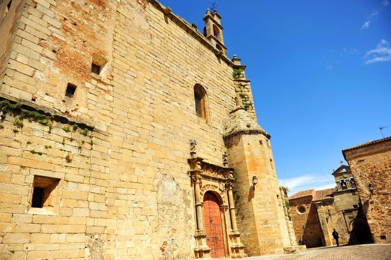 Kyrka av St Matthew, Caceres, Extremadura, Spanien arkivbilder