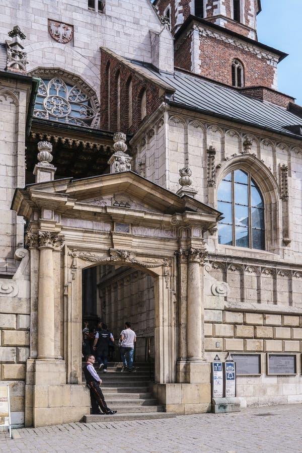 Kyrka av St Michael ?rke?ngeln och Sten Stanislaus Bishop och martyr och Pauline Fathers Monastery, Krakow, Polen arkivfoton