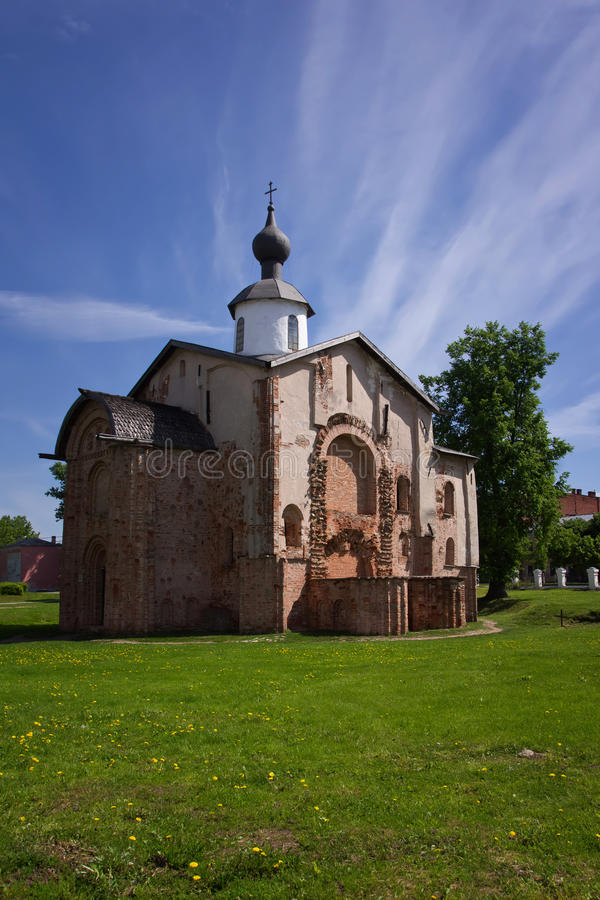Kyrka av St. Paraskeva Piatnitsa i marknadsplatsen. 1207 royaltyfria foton