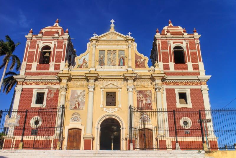 Kyrka för El Calvario, Leon, Nicaragua arkivbild