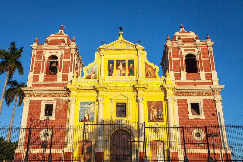 Kyrka för El Calvario, Leon, Nicaragua royaltyfri bild