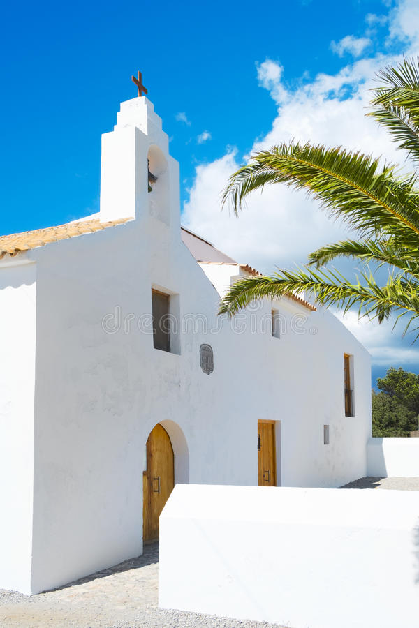 Kyrka för Sant Francesc des Estany, i den Ibiza ön, Spanien fotografering för bildbyråer
