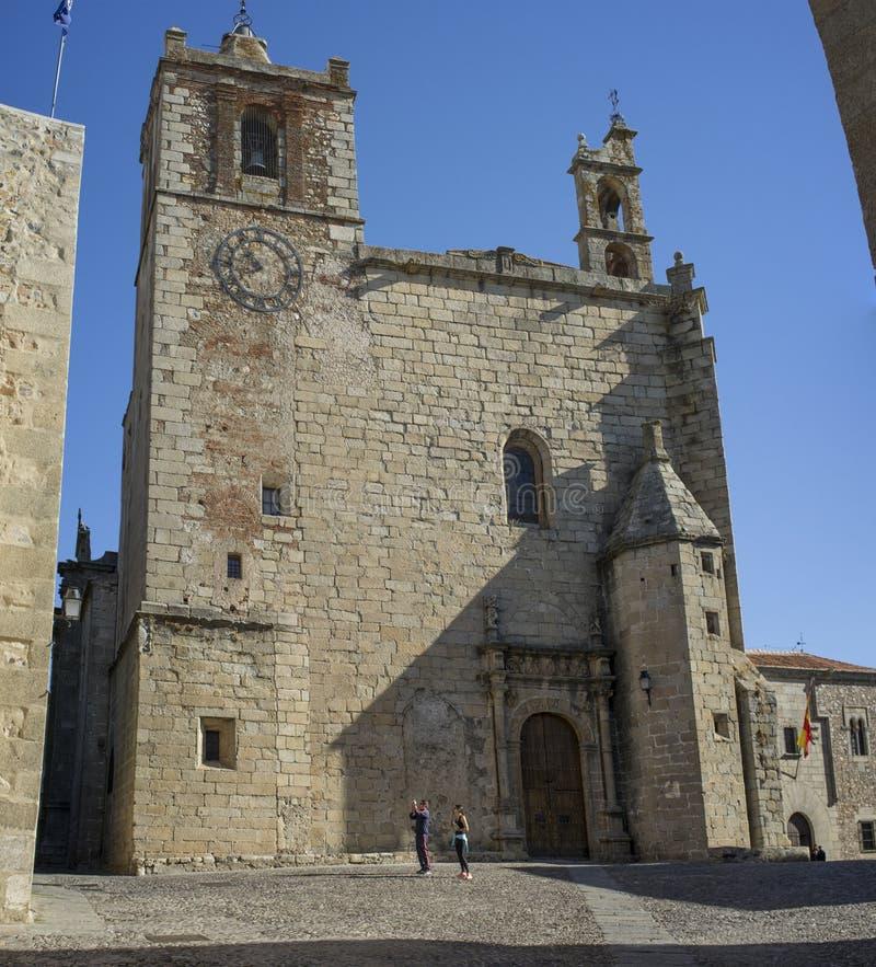 Kyrka för St Matthew ` s, Caceres, Spanien arkivbilder