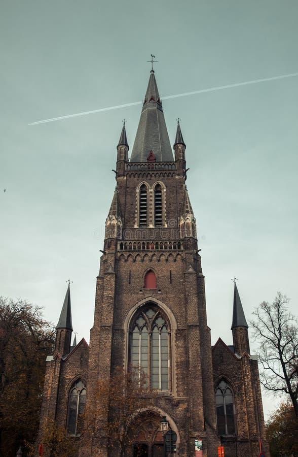 Kyrka i Bruges, Belgien arkivfoton