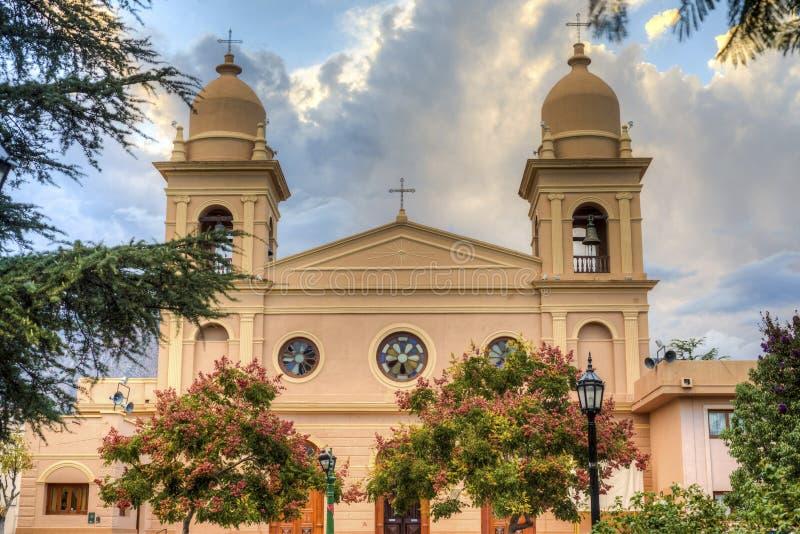 Kyrka i Cafayate i Salta Argentina. arkivbilder