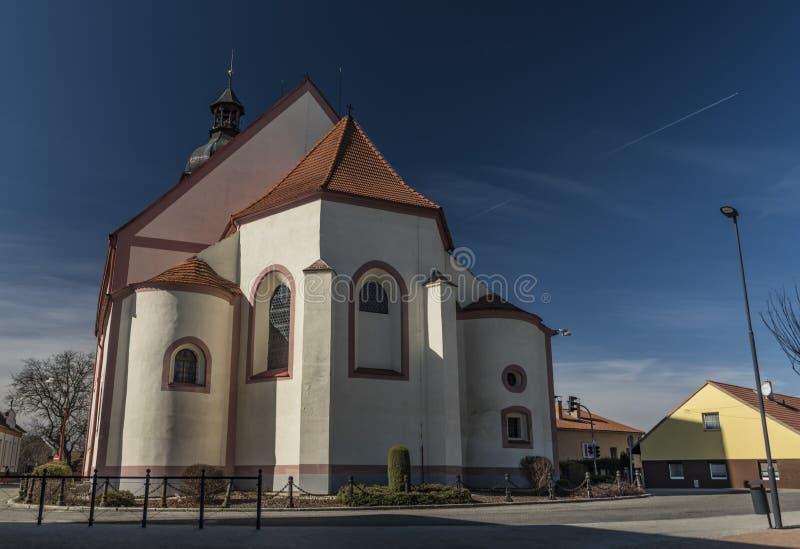 Kyrka i den Rudolfov staden nära Ceske Budejovice royaltyfri fotografi