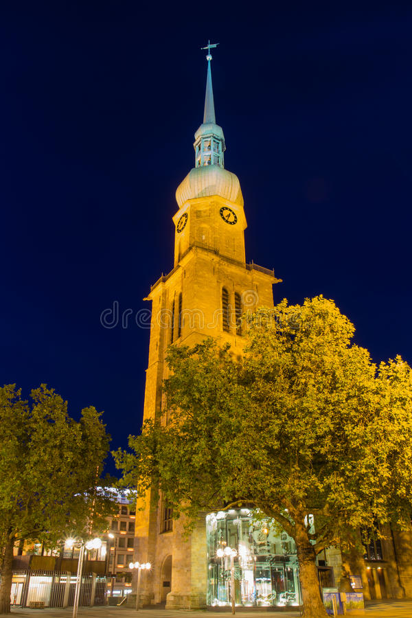 Download Kyrka i Dortmund arkivfoto. Bild av renässans, färgrikt - 27276696