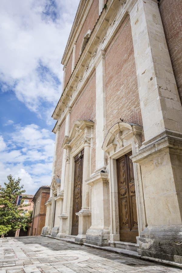 Kyrka i Fabriano Italien Marche arkivfoton