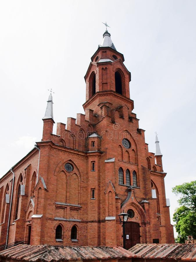 Kyrka i Kernave. Litauen royaltyfri foto