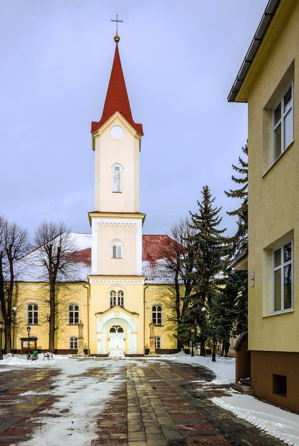 Kyrka i Liptovsky Mikulas, Slovakien royaltyfri fotografi