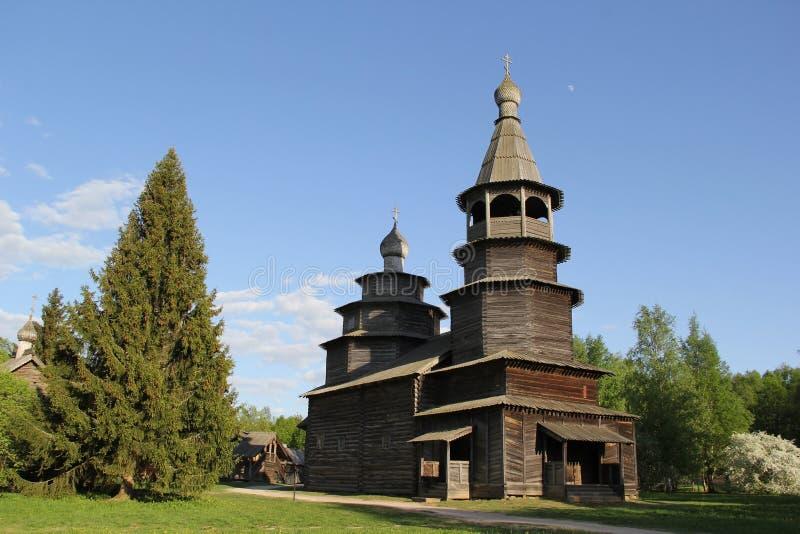 Kyrka i Velikiy Novgorod royaltyfri foto
