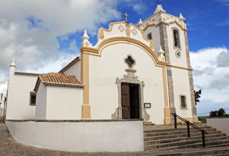 Kyrka i Vila do Bispo, Algarve, Portugal arkivbilder