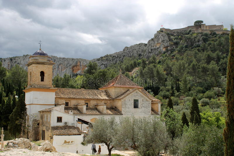 Kyrka i Xativa, Spanien fotografering för bildbyråer